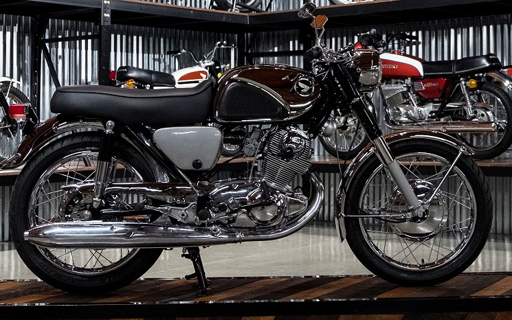 1967 Honda Super Hawk CB77